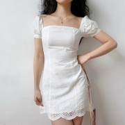 Pure white innocence square collar French bubble sleeve lace lace A-line dress - sukienki - $32.99  ~ 28.33€