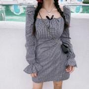 Retro Square Collar Puff Sleeve Waist Thinning Plaid Long Sleeve Dress - Dresses - $32.99  ~ £25.07