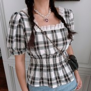 Retro pearl lace side square collar puff sleeve plaid short sleeve shirt - T-shirts - $29.99