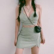 Retro plaid hanging neck small suspenders high waist skirt skirt suit - Kleider - $29.99  ~ 25.76€