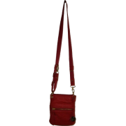 Women's/Girl's Small Crossbody Handbag by The Sak (Scarlet) - Bolsas - $59.00  ~ 50.67€