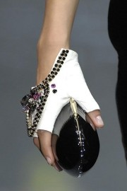 Armani privé bag and gloves Fall 2007 - Catwalk -