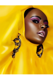 Black Model in Yellow - Catwalk -