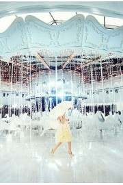 Louis Vuitton carousels fashion show - Passarela -