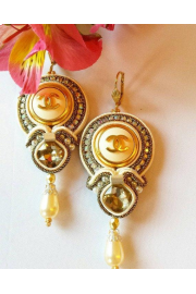 New earrings made of authentic buttons. - My look -