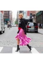 Street Style - Catwalk -