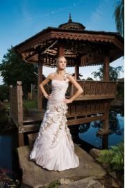 Wedding - Catwalk -