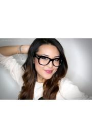 glasses girl - Mis fotografías -