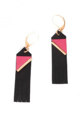 Shoptiques Brincos -  Embroidered Leather Earrings